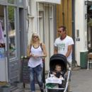 Gwen Stefani and Gavin Rossdale enjoy a sushi dinner out at OKA restaurant in Primrose Hill with their family