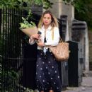 Amelia Windsor – Pictured with bouquet of flowers while out in London - 454 x 558