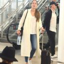 Ana Ivanovic and Bastian Schweinsteiger – Arrives at airport in Sydney - 454 x 538