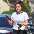 Ariel Winter – Out and about in LA - 454 x 595