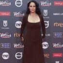 Sonia Braga- Platino Awards 2017- Red Carpet - 399 x 600