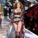 Alexina Graham – 2018 Victoria's Secret Fashion Show Runway in NY - 454 x 681
