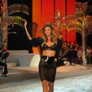 Angela Lindvall - 2008 Victoria's Secret Fashion Show - Runway, Miami Beach, 2008-11-15