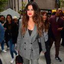 Selena Gomez – Arrives to her Midtown hotel in New York