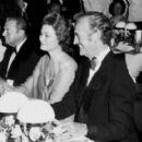 Grace Kelly and David Niven - 454 x 418