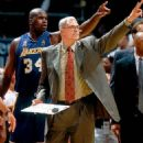 Shaq with Coach Phil Jackson - 454 x 524