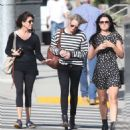 Robin Wright – Walk with her friends in West Hollywood - 454 x 528