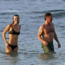 Sean Penn and Leila George  -  Wallpaper - 454 x 314