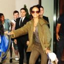 Rihanna Leaves Her London Hotel