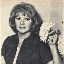 Rita Hayworth - Film Magazine Pictorial [Poland] (14 March 1965) - 385 x 456