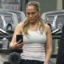 Jennifer Lopez – Morning workout in Santa Monica - 454 x 683