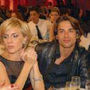 Carla Peterson and Julián Hyvrard - Martin Fierro Awards - 454 x 312