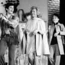 Applause (musical) Original 1970 Broadway Musical Starring Lauren Bacall - 454 x 425