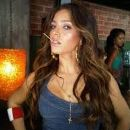 Melissa Molinaro - 259 x 194