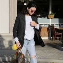 Kendall Jenner – Out for lunch in LA