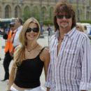 Richie Sambora & Denise Richards in Paris - 400 x 594