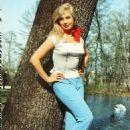 Barbara Valentin - 454 x 647