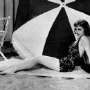Claudette Colbert - 454 x 362