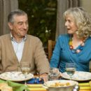 Robert De Niro as Jack Byrnes and Blythe Danner as Dina Byrnes in Little Fockers. - 454 x 302