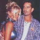 Pamela Anderson and Tommy Lee - 192 x 236