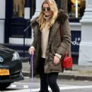 Rachel Hilbert with her dog out in New York City - 454 x 710