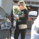 Amy Poehler – Buying flowers in Beverly Hills - 454 x 681