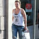 Haylie Duff stops by a UPS Store to mail a package in West Hollywood, California on December 27, 2013 - 409 x 594