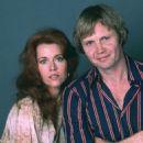 Jane Fonda and Jon Voight - 454 x 543