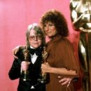 Barbra Streisand and Paul Williams At The 49th Annual Academy Awards (1977) - 454 x 508