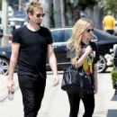 Avril and Chad planning their wedding, West Hollywood (27 April 2013)