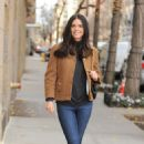 Katie Lee Casual Style – Leaving NBC Studios in New York 12/23/2016 - 454 x 713