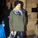 Gwen Stefani: exiting her posh London hotel