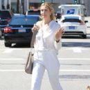 Kelly Rutherford was seen shopping in Beverly Hills. California on March 24, 2017 - 414 x 600