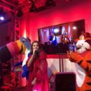 Hailee Steinfeld – Performing at Kellogg's NYC Cafe for National Cereal Day