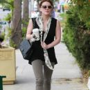 Hilary Duff - Heading To Gynecologist's Office In Encino, 01.10.2010.