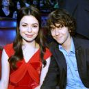Nat Wolff and Miranda Cosgrove - 454 x 541