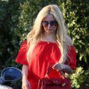 Avril Lavigne in Red out in LA - 454 x 622