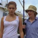 Angus McLaren and Phoebe Tonkin - 454 x 255