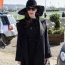 Liv Tyler at 2017 Cheltenham Festival on Ladies day - 454 x 823