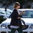 Ashley Olsen – Grabbing coffee in Los Angeles