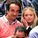 Mary-Kate Olsen and Olivier Sarkozy - 454 x 293