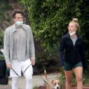 Florence Pugh with Zach Braff – Seen while walking her dogs in Los Angeles
