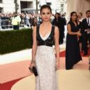 """Selena Gomez attends the """"Manus x Machina: Fashion In An Age Of Technology"""" Costume Institute Gala at Metropolitan Museum of Art on May 2, 2016 in New York City"""