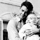 Marilyn Monroe - 454 x 272