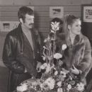Ursula Andress and Jean-Paul Belmondo - 454 x 573
