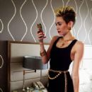 Miley Cyrus twitter photos
