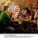 Jon (Breckin Meyer, left) and Liz (Jennifer Love Hewitt) enjoy their visit to an English pub - as do Garfield and Odie. TM and © 2006 Twentieth Century Fox. All rights reserved.