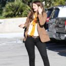 Mischa Barton At Supermarket Buying Lean Products Healthy Food, February 10 2010