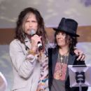 Steven Tyler at the art of Elysium's 7th annual HEAVEN gala on January 11, 2014 in Los Angeles, CA - 454 x 302
