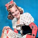 Sonja Henie - Modern Screen Magazine Pictorial [United States] (November 1942) - 454 x 655